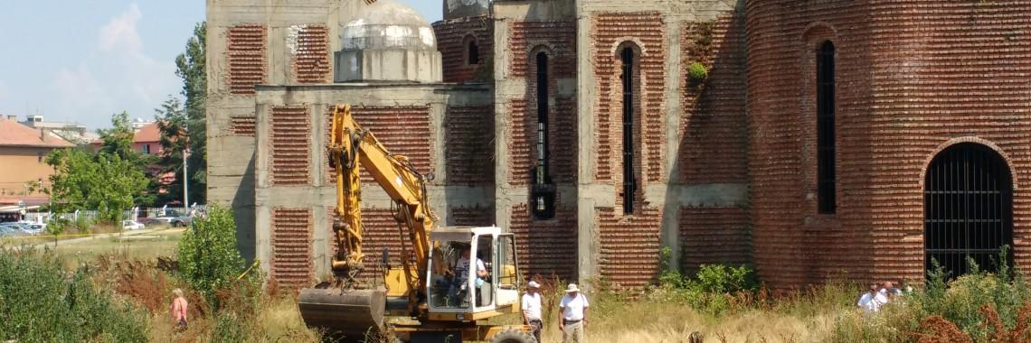 Excavations next to the church. Photo: Lura Limani.