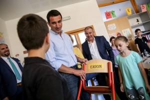 "Veliaj during his visit to Prishtina's ""Model"" school. | Photo courtesy of the Prishtina Municipality."