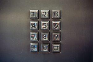 """""""phone"""" (CC BY 2.0) by raindog808"""