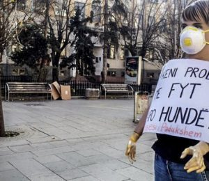 Activists placed mannequins in Prishtina's main boulevard protesting the high level of pollution. | Photo: Erjone Popova.