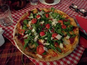 Pizza rucola at Napoli. | Photo Plator Gashi.